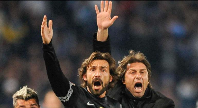 Pirlo e Conte, atleta e treinador, na Juventus, dez anos atrás