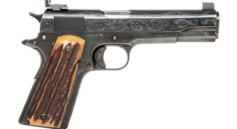 A pistola calibre 45 favorita de Al Capone é um dos itens do leilão
