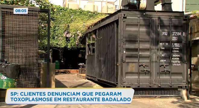 Restaurante, localizado na zona oeste da capital, afirmou que mantém higiene