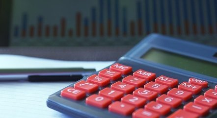 Prefeitos tomam posse com medidas de ajuste fiscal