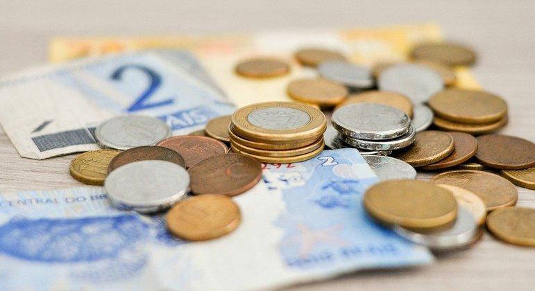 Salário mínimo de R$ 1.169 terá reajuste inferior ao da inflação projetada no ano que é 7,46%