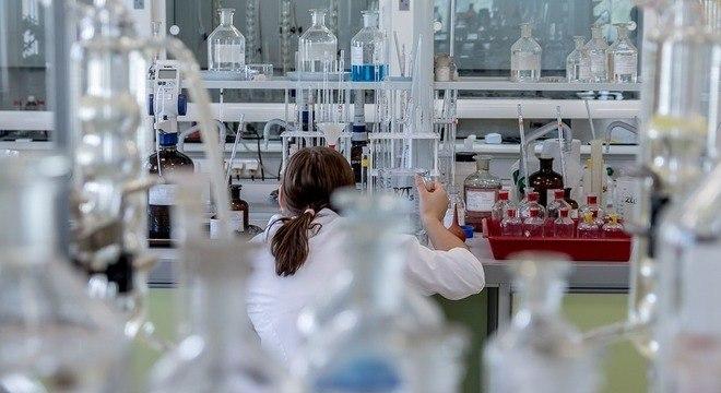 Químicos precisam de habilidades que vão do socioeconômico à nanotecnologia