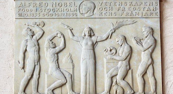 As intenções de Nobel eram nobres, mas as dos que escolhem os laureados nem sempre são