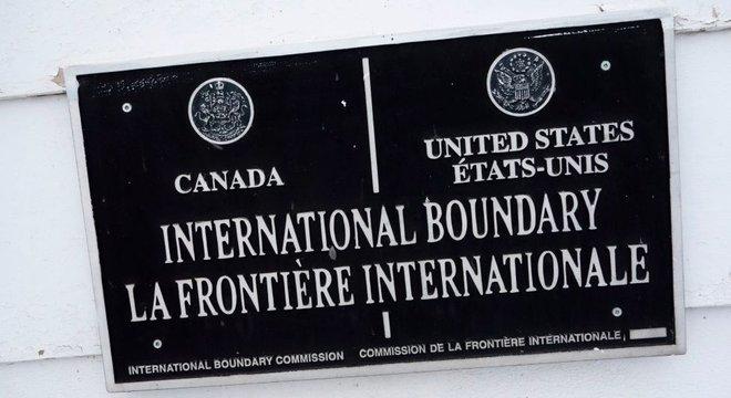 A Comissão Internacional de Limites (International Boundary Commission) é a instituição encarregada de demarcar a fronteira binacional