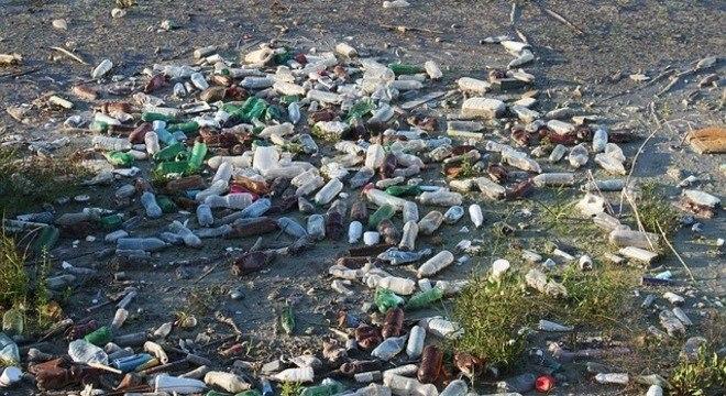 Cada brasileiro produz um quilo de lixo plástico por semana