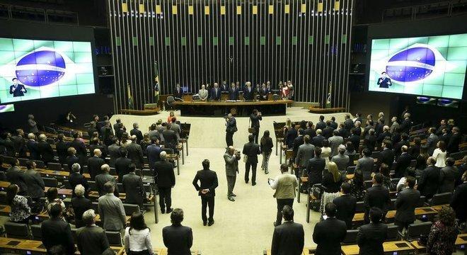 Duas casas do Legislativo devem eleger seus presidentes para um período de dois anos nesta sexta