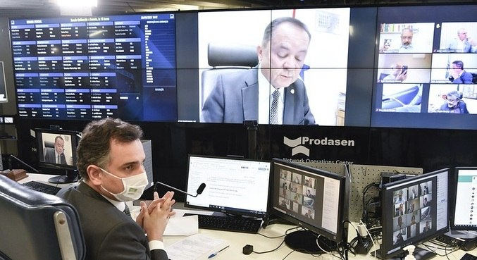 O presidente do Senado, Rodrigo Pacheco, durante votação no plenário virtual