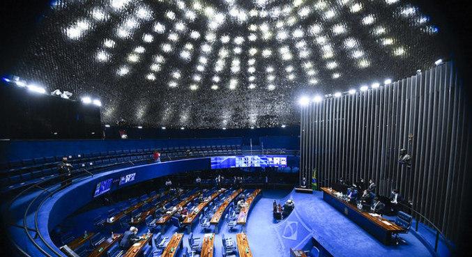 Plenário do Senado, que aprovou projeto que suspende inscrição de dívida