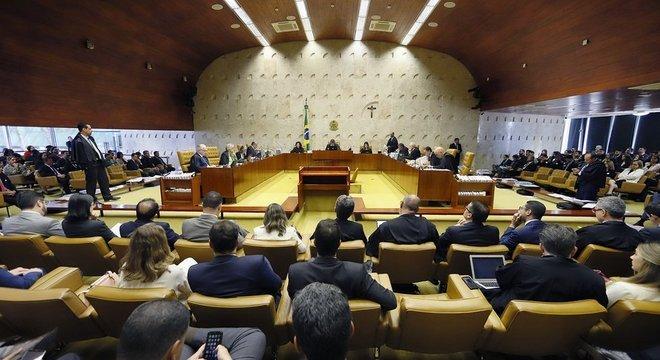 STF já foi e deverá continuar sendo cenário para decisões fundamentais envolvendo a situação jurídica de Lula Lula busca liberdade no STF