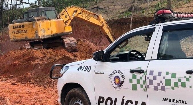 Operários e proprietários foram autuados pela PM Ambiental