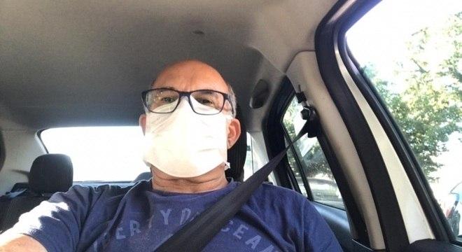 Tenente-coronel reformado deixa o hospital da PM após ser curado da covid-19
