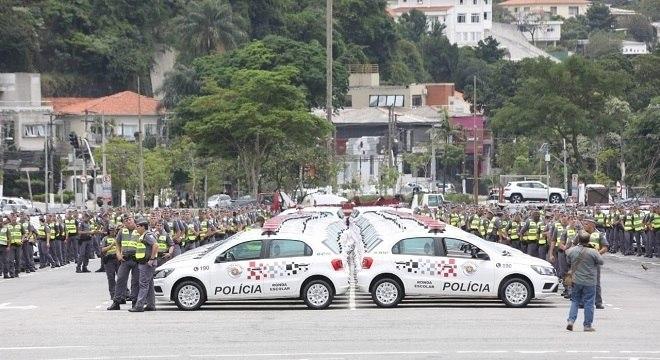 Entrega de viaturas em São Paulo: efetivo das polícias faz parte de painel