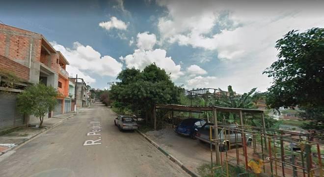 Crime ocorreu em rua Pedro Martins, em Poá, na região metropolitana de SP