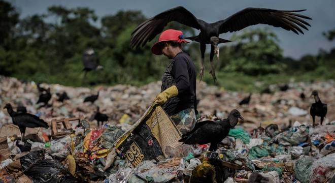 Brasil tem 55 milhões de pessoas que vivem com menos de R$ 20 por dia