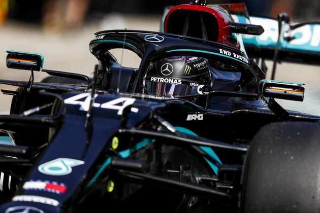Podendo igualar o recorde de vitórias na F1, Hamilton fechou o dia em segundo