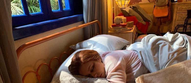 Edit: Agora com a foto dessa ladra de namorado! Parece inofensiva assim dormindo, mas é a maior aproveitadora!