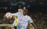 Na oitava posição, o francês Paul Pogba, do Manchester United, com o salário de 34 milhões de dólares (R$ 188 milhões) por ano