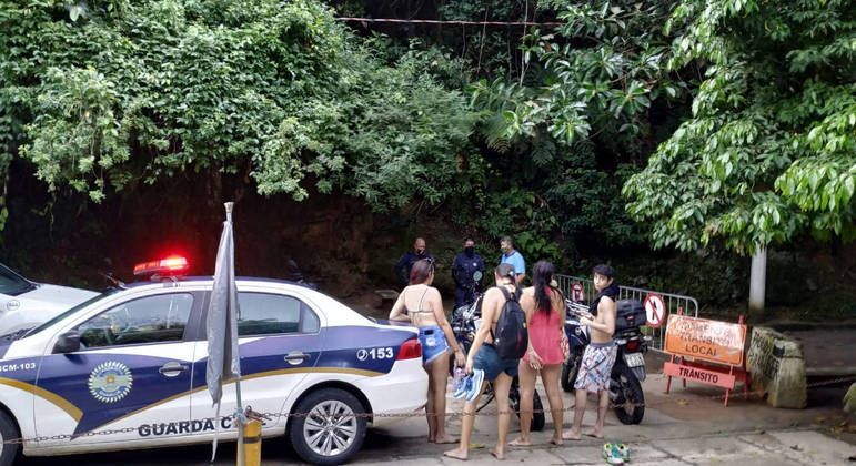 Caixas de som foram apreendidas e seis veículos receberam multas