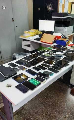Ao menos sete celulares apresentavam queixa de roubo