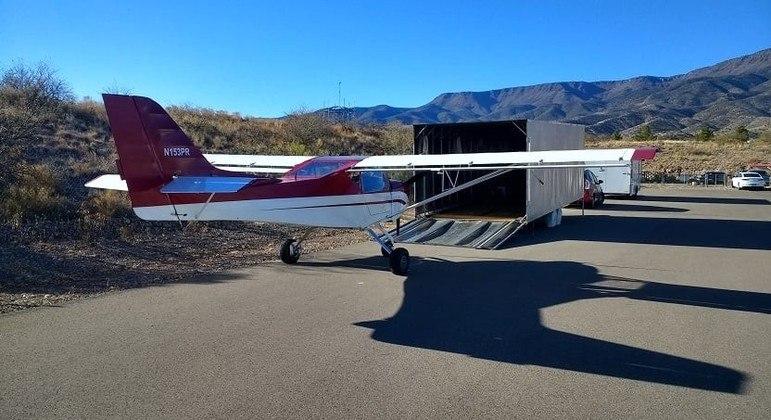Polícia de Cottonwood, nos EUA, busca por avião roubado de aeroporto local