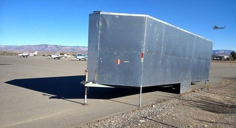 Avião ocupava trailer no momento em que foi roubado