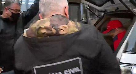 Polícia realiza operação para prender quadrilha especializada em extorsão por PIX