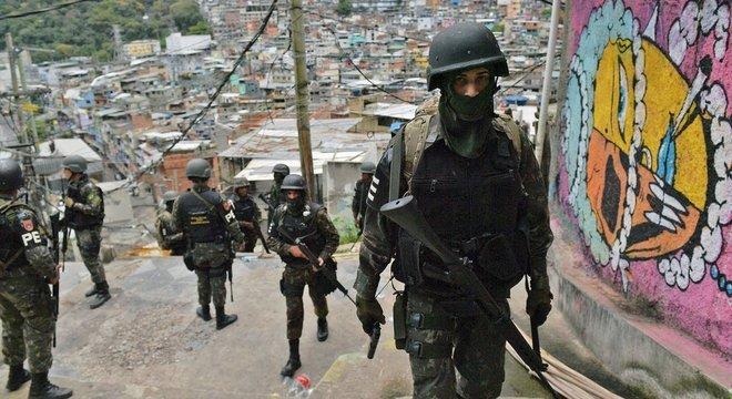 Forças policiais em alguns países da região são frequentemente vistas como parte do problema ao invés de serem solução para a violência