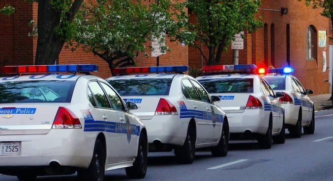 Polícia de Baltimore revistou carro após parar mulher