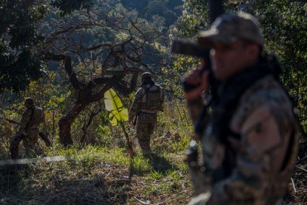 Uma força-tarefa foi montada e tem usado o distrito de Girassol, área rural de Cocalzinho, como base para capturar o foragido