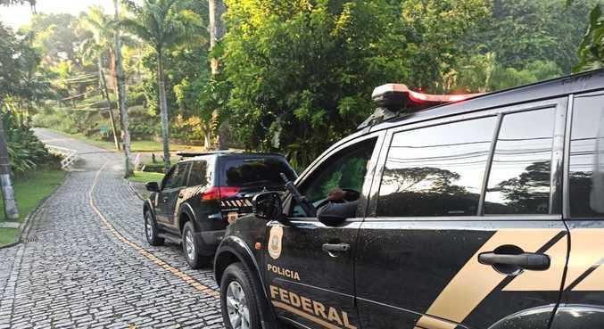 Cerca de 70 policiais federais cumprem 11 mandatos de busca e apreensão