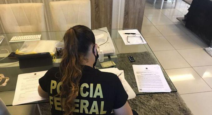 Mandados de busca e apreensão estão sendo cumpridos por 20 policiais