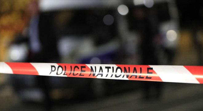 Polícia mata homem que ameaçou pedestres com arma em Avignon