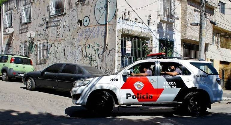 PM realiza operação em Cidade Tiradentes, na zona leste de SP, e dois são presos
