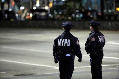 Policiais atiraram 10 vezes contra o homem