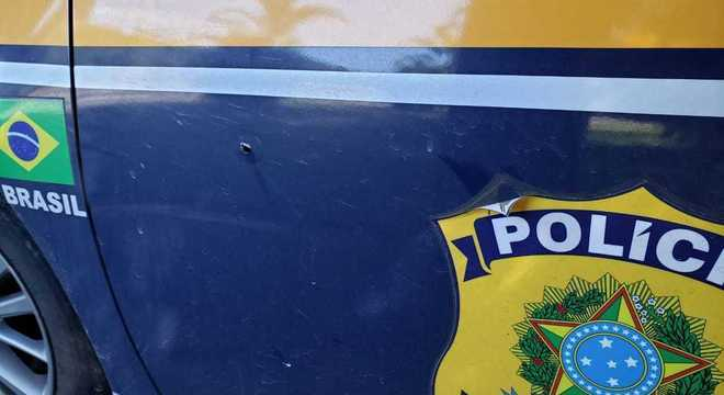 Dois agentes da PRF foram baleados em Miracatu, no interior de São Paulo