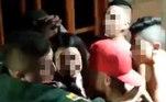 Ao tomar conhecimento do registro,Edisson Tamayo, prefeito da cidade, solicitou a transferência imediata dos oficiais envolvidos na polêmicaVeja também:Homem é achado vivo em cemitério 4 meses após ser declarado morto