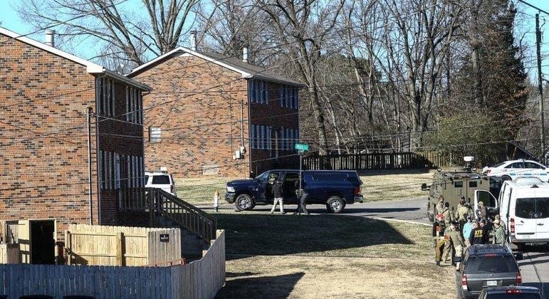 Policiais revistaram a casa de Warner em Antioquia, perto de Nashville