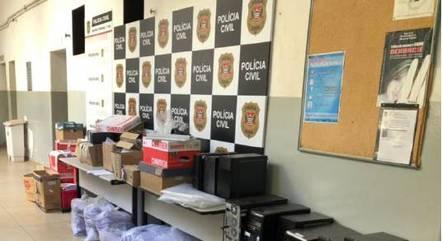 Policiais investigam suspeitos de dar golpes bancários em idosos