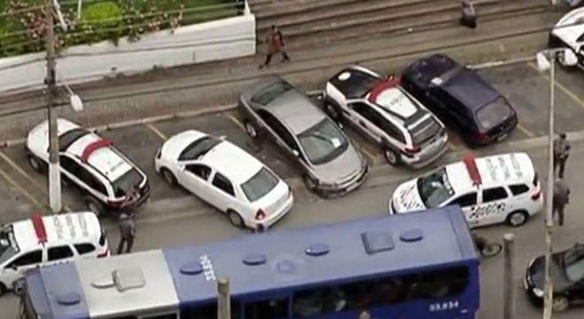 Carros da Polícia Militar utilizados na perseguição na zona leste de São Paulo