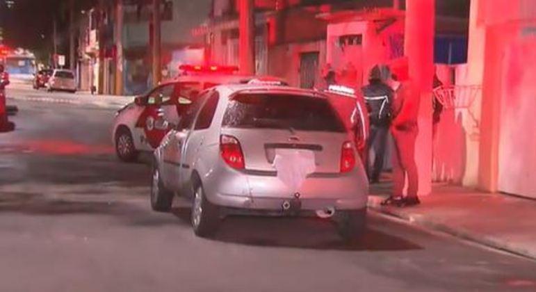Policial levou tiro após passar com carro por cima de skate