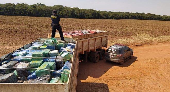 A PF e a Polícia Rodoviária Federal (PRF) apreenderam neste ano até outubro 996,1 toneladas de maconha