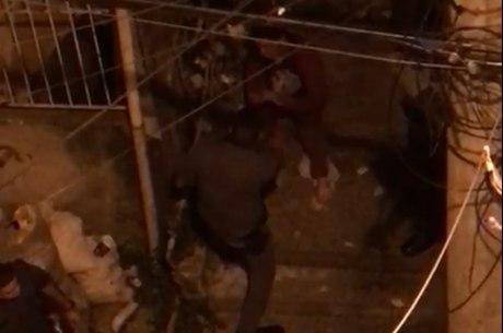 Agressão foi flagrada por vídeo