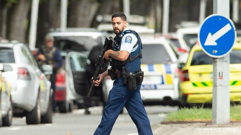 Nova Zelândia: preso, suspeito tinha intenção de continuar ataques