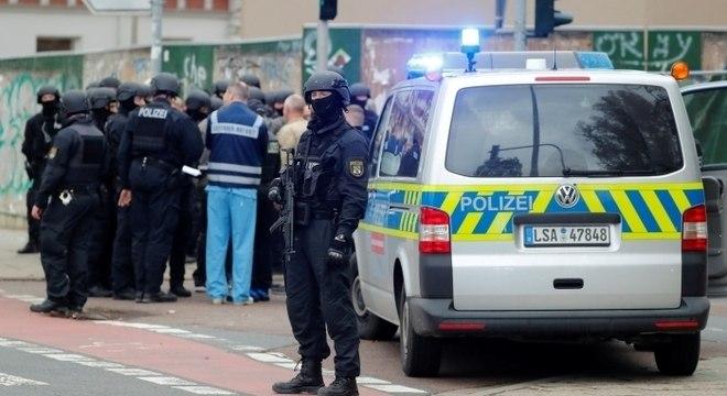 Tiroteio deixou ao menos dois mortos em Halle, na Alemanha