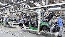 Piora da pandemia faz Volkswagen suspender produção no Brasil