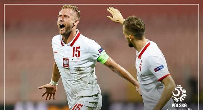 Gilk e Kedziora, a festa pelo gol do empate da Polônia