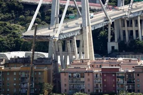 Ponte Morandi desabou, matando 43 em Gênova
