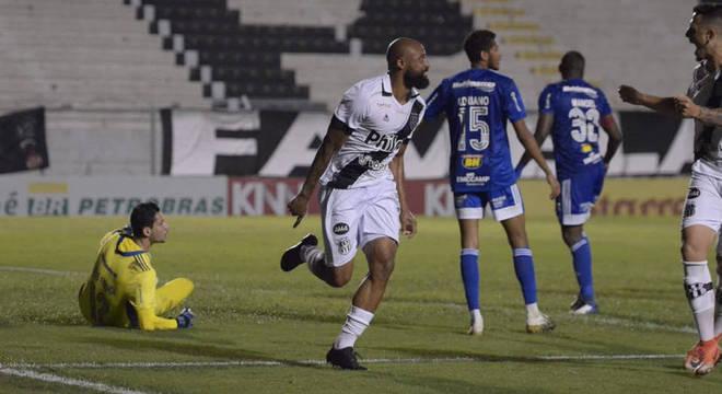 A Ponte virou o jogo contra o Cruzeiro, ontem. Normal no planejamento do Cruzeiro