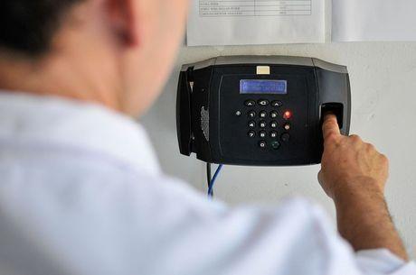 Médicos de Ubaporanga terão que bater ponto