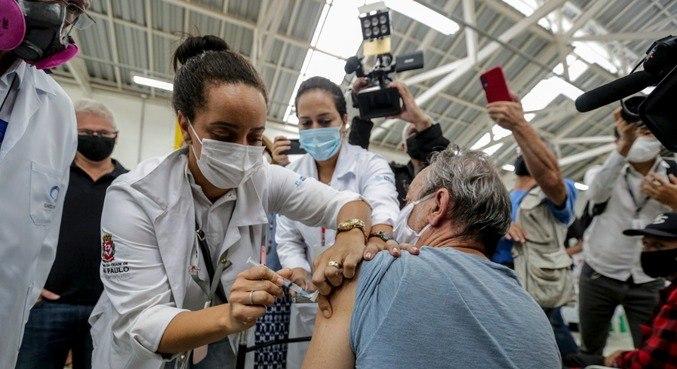 Segundo prefeitura, 2.200 pessoas em situação de rua serão vacinadas nessa faixa etária